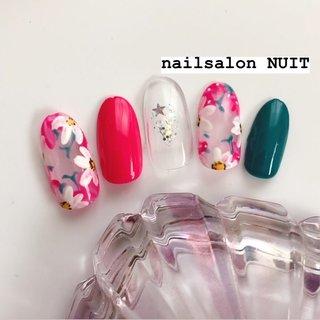サンプル💅✨ . ⋆ ご予約は Instagram DM. ☃️ TEL...080-7579-0562 ❄️ Nailbook... https://nailbook.jp/nail-salon/26772/reservation/ でお待ちしております😊❤️ ⋆ ※当店は現金又はpaypayご利用可能です💰 (クレジットカードご利用されたい方はpaypay登録お願いしてしております) ⋆ #nail#nailsalon#hamamatsu#nails#nailart#nailst#nailbook#nuit#nuitnail#ニュイネイル#美爪#美甲#光疗甲#ネイリスト#ネイル#ネイルデザイン#ネイルアート#浜松#浜松市中区#ネイルサロン#nailbook#ネイルブック#予約受付中#かわいい#つるつる#キラキラ#冬ネイル#ネイルサンプル#NUITサンプル#PayPay使えます#paypay #オールシーズン #ブライダル #パーティー #デート #ワンカラー #ラメ #フラワー #星 #ピンク #グリーン #シルバー #ネイルチップ #nuit_Rika #ネイルブック
