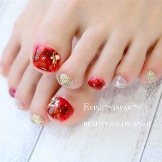 どのお指を見ても可愛いデザインです #オールシーズン #バレンタイン #パーティー #デート #フット #ラメ #タイダイ #大理石 #べっ甲 #ホイル #ミディアム #ホワイト #レッド #シルバー #ジェル #お客様 #evisu nail #ネイルブック