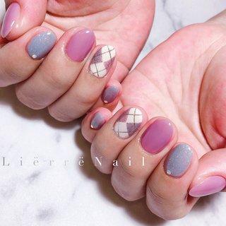 """✞✞✞ ・ ・ ・ ➳ネイルデザイン、ご予約方法、料金などの詳細は """"instagram@lierre87"""" TOPのSalon&Menuからもご覧頂けます☺︎ ・ ➳その他ご来店の際のお問い合わせはお気軽に LINE &Messageで☺︎ (気づかず返事が遅れてしまったらごめんなさい…) ・ ・ ・ #nail #nails #nailart #gelnail #gelnails #naildesign #instagood #newnail #footnail #fashion #beautiful #nailswag  #네일 #젤네일 #指甲 #光療美甲 #ネイル #ネイルアート #ジェル #ジェルネイル #ジェルアート #ネイルデザイン #お洒落ネイル #大人ネイル #上品ネイル #ニュアンスネイル #トレンドネイル #フットネイル #札幌ネイル #ネイルサロン #オールシーズン #ハンド #ワンカラー #チェック #ショート #パステル #ジェル #お客様 #lierre87 #ネイルブック"""