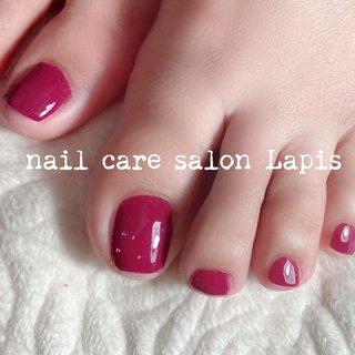 甘皮を切らない自爪育成ネイルケア®︎ フットネイル ポリッシュ仕上げ✨ . お洒落なローズカラー 冬でも足下を綺麗に女子力UP! . . . ※当店の自爪育成ネイルケア®とは 甘皮は切らず、甘皮と爪の間から 伸びている角質(ルースキューティクル)を 定期的に取り除き、良質なオイルを塗布することで 爪の育成を促進させます。  #nail #nails #nailart #polish #carecollar #shortnail #nailcaresalonLapis #ufv #ネイル #爪健美道 #美しい爪 #健康な爪 #マニキュア #ポリッシュ #『爪健美道®︎』#テラヘルツ波 #オフィスネイル #自爪育成ネイルケア®︎協会 #自爪育成ネイルケア®︎士 #ショートネイル #ケアカラー #海老名市河原口ネイルサロンLapis #海老名市河原口プライベートネイルサロンLapis #小田急線厚木駅徒歩7分 #JR相模線厚木駅徒歩7分 #魔法の靴下 #エアライズ取り扱いサロン #lipaddict取り扱いサロン #ufv正規取扱店 #整形リップ #オールシーズン #バレンタイン #デート #女子会 #フット #シンプル #ワンカラー #ショート #ピンク #マニキュア #お客様 #mina37lapis #ネイルブック