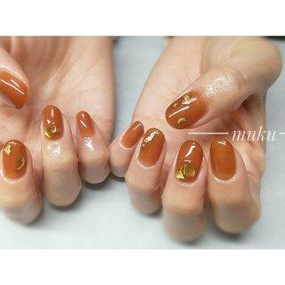 シアーカラーのベイクドブラウンにニュアンスデザイン♪  #ニュアンスネイル    --------------------  グレー ベージュ スモーキーカラー 得意です♪  お爪に優しいパラジェル使用。  サロン初心者の方でも安心✨ お肌に合うカラーをご希望に合わせてブレンド致します。  お気軽にご相談ください!  #春ネイル #muku #mukunail #ebisu #オフィスネイル #上品ネイル #大人ネイル #大人上品ネイル #大人の指先 #美爪 #パラジェル #オーダーメイドネイル #シンプルネイル #ネイルケア #恵比寿プライベートネイルサロン #隠れ家サロン #恵比寿 #恵比寿ネイルサロン #オールシーズン #ハンド #シンプル #ワンカラー #シースルー #ニュアンス #ショート #ベージュ #ブラウン #ジェル #お客様 #tomo #ネイルブック