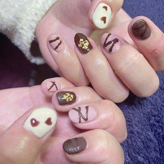 #バレンタイン #ハンド #ホワイト #ピンク #ブラウン #ジェル #セルフネイル #Matsuhisa Takayuki #ネイルブック