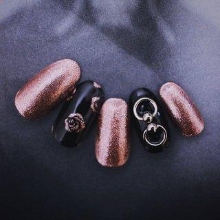 ¥6500💅🏻2色カラー変更可 カラー追加+¥200  #nail #nails #naildesign #nailstagram #noirouge #ネイル #ジェルネイル #ネイルデザイン #春 #オールシーズン #ラメ #フラワー #ロック #ピンク #ブラック #NOIROUGE #ネイルブック