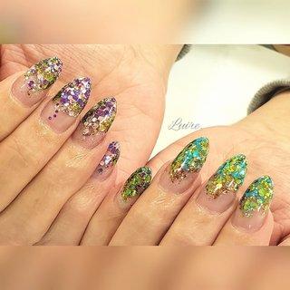 #ビビットネイル とってもキラキラしてます✨ フォロー&👍ご覧下さりありがとうございます . *⑅︎୨୧┈︎┈︎┈︎┈︎┈︎┈︎┈︎┈︎┈︎┈︎┈︎┈︎୨୧⑅︎* ♡ 自爪の傷みが気になる。ジェルの持ちが悪い。 深爪を綺麗にしたい。お客さまお一人おひとりの悩みに寄り添い、美しい指先へと導きます。 . #美甲  #スカルプも好き  #coolnails  #nailstagram  #naildesigs #nailart  #フィルイン  #人気 . . . #ALIPAY #paypay加盟店  #キャッシュレス還元 ご利用頂けます✦  . . いつもありがとうございます。  #岡崎市 #安城#豊田#幸田 #知立#岡崎#愛知  #愛知県#高浜 #岡崎市ネイル  #岡崎ネイル  #幸田町#蒲郡  #岡崎市ブライダル #✨esthetic&nail Luire*リュイール*✨ #ネイルブック