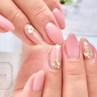 ナチュラルカラーに シェルラインをポイントを。  お爪が綺麗にみえる やわらかグラデーションで♡ #オールシーズン #ハンド #シンプル #グラデーション #ベージュ #ピンク #fleur nailsalon #ネイルブック