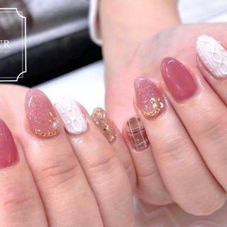 ニットにチェックに 冬アートを詰め込み♡ #オールシーズン #ベージュ #ピンク #fleur nailsalon #ネイルブック