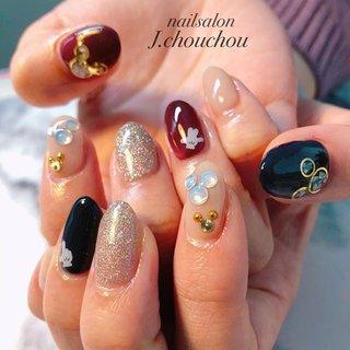 ディズニーネイル😍彼氏さんとディズニーに行かれる為にされました! がっつりディズニーで可愛い系ではなく、 落ち着いたカラーでパーツやストーンで ミッキー&ミニーを作りました❤️ #ディズニーネイル #ネイル #ネイルアート #ネイルデザイン #ジェルネイル #ネイルサロン #nail #nails #nailart #nailswag #nailpolish #nailsoftheday #naildesign #agehanails#naildesigns #nails2inspire #nailporn #nailartclub #네일스타그램#美甲#指甲#美爪 #姫路ネイル#プライベートネイルサロン#プチプラネイル#ネイルブック掲載店 #オールシーズン #旅行 #デート #ハンド #ラメ #ビジュー #キャラクター #ショート #ネイビー #ボルドー #ゴールド #ジェル #お客様 #J.chou-chou.NAIL #ネイルブック