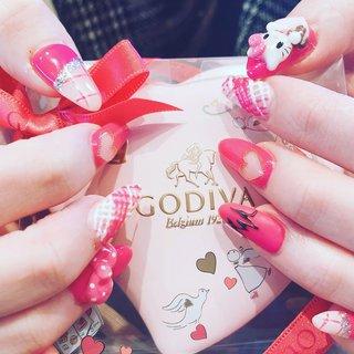 バレンタインキティちゃんネイル💅  #チョコネイル #キティちゃんネイル  #バレンタインネイル  #ピンクネイル  #ラブリーネイル #バレンタイン #ハンド #ハート #キャラクター #くりぬき #3D #リボン #ロング #ピンク #ジェル #夏木 #ネイルブック