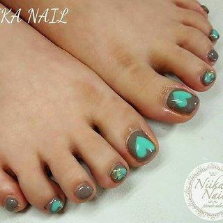 本日のお客様ネイル♡2/6 チャコールグレー×ミントグリーン♪ #gelnail #nail #nails #naildesign #nailart #nailartist #nailbook #footnails #pedicures #pedi #フットネイル #ペディキュア #charcoalgraynails #heartnails #mintgreennails #チャコールグレーネイル #ハートネイル #格安ネイル #くジェル #ジェルネイル #美甲 #niika_nail #板橋区中台 #志村三丁目 #ツヤツヤ #キラキラ #可愛い #シンプル #秋 #冬 #デート #女子会 #フット #シンプル #パール #ハート #ショート #ターコイズ #グレー #ジェル #お客様 #Sa7e_Kurihara #ネイルブック