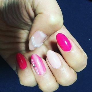 #パール #ピンク ピンク2種類 #バレンタイン #旅行 #パーティー #女子会 #ハンド #グラデーション #ワンカラー #パール #ピンク #ジェル #Nail and Eye Luca #ネイルブック
