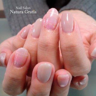 上大岡のネイルサロンナチュラグラティアより。 ふんわりチェックの冬ネイルです。 <N160> #冬 #オフィス #ハンド #シンプル #チェック #ミディアム #ピンク #グレー #スモーキー #ジェル #お客様 #naturagratia #ネイルブック