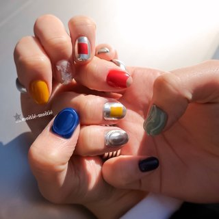 #オールシーズン #成人式 #旅行 #女子会 #ワンカラー #ジオメトリック #バイカラー #ブロック #ミラー #メタリック #カラフル #nailsalon.moitie-moitie #ネイルブック