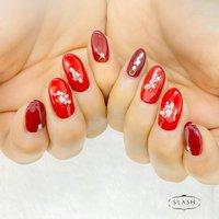 女子力高めな赤ネイル✨  #赤#赤ネイル#レッドネイル#シェル#シェルネイル#シンプル#シンプルネイル #オールシーズン #ハンド #ラメ #ワンカラー #ミディアム #レッド #ボルドー #ジェル #お客様 #slash_nail.tsukiyama #ネイルブック