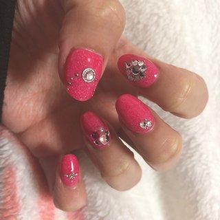 久々のネイル。 自爪が短いのでスカルプ✨ #春 #ハンド #シンプル #ビジュー #ミディアム #ピンク #syoko1029 #ネイルブック