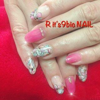 #フラワーネイル #花ネイルアート #ピンクネイル #おすすめオイル #ハンド #ミディアム #ピンク #グリーン #グレージュ #お客様 #Ritsu #ネイルブック