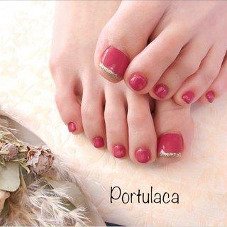 ワンカラー♡  #ワンカラー  #フット #赤  お肌映りがいいですね〜親指のラメがポイント〜♬  いつもありがとうございます♡ #ラメ #ワンカラー #レッド #パープル #Portulaca #ネイルブック