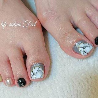 大理石風ネイル👣✨✨✨ #福井ネイル #福井ネイルサロン #ネイル福井 #ジェルネイル #フットネイル #フットジェル #ペディキュア #大理石ネイル #天然石ネイル #gelnails #footnails #footgel #pedicure #marblenails #naildesign #naillifesalonfeel #nails #オールシーズン #旅行 #ライブ #女子会 #フット #変形フレンチ #大理石 #ミラー #ショート #ホワイト #グレー #ブラック #ペディキュア #お客様 #nailsalon_feel #ネイルブック