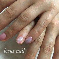 小指にこっそり大理石ネイルを…。 #大理石ネイル #春 #大理石 #ホワイト #ピンク #お客様 #aya #ネイルブック
