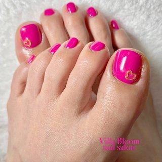 #春 #オールシーズン #バレンタイン #デート #フット #シンプル #ハート #ミディアム #ピンク #ゴールド #ビビッド #ジェル #お客様 #Villa Bloom nail salon #ネイルブック