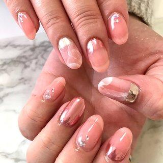 ご新規のお客様  ほんのりピンクベースに 大理石とミラーネイル💅  コッパーピンクミラー気に入って頂けて 良かった❣️  #ミラー#ピンクミラー#大理石 #シンプル#フレンチ #春 #フレンチ #変形フレンチ #大理石 #ミラー #ピンク #NAIL salon kapalili #ネイルブック