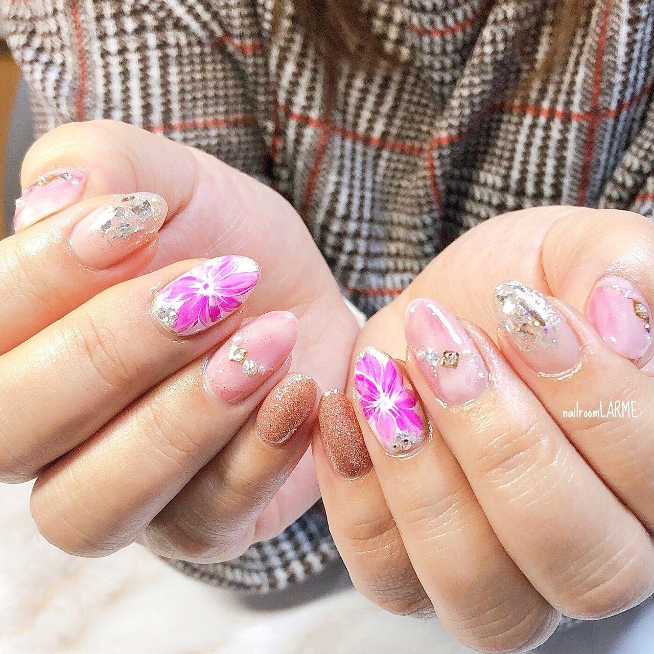 #持ち込みデザイン #春 #ピンク #キラキラ #ラメ #フラワー #nailroomLARME #ネイルブック