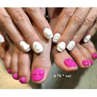 おもちゃみたいなネイル💅 #オールシーズン #リゾート #ハロウィン #ワンカラー #痛ネイル #3D #ホワイト #ピンク #B*B*nail #ネイルブック