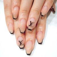 #ブランドネイル#シンプル #グラデーション #ベージュ#ロゴネイル #ange nail salon #ネイルブック