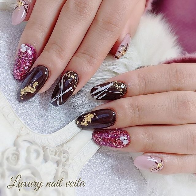 . . Happy valentines . ❤️❤️❤️ . . お客様に愛を... . daに愛を... . Familyに愛を... . Friendsに愛を... . . いつも支えてくれてありがとう💋 . . みんなの近くに愛がありますように... . . #happyvalentinesday  #thankyouloves  #love  #makihorita #luxurynailvoila  #nail  #nails  #valentinenails  #naildesign  #nailart  #nailstagram  #nailswag  #nailporn  #japannails  #tokyonails  #バレンタインネイル  #ラグジュアリーネイルヴォアラ #小岩ネイル #小岩ネイルサロン #チョコネイル🍫  #ネイル  #ネイルデザイン  #cutenails  #prettygirls  #美甲 #네일  #네일아트 #젤네일 #指彩 #オシャレネイル #Nailist maki #ネイルブック