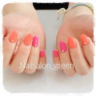 元気が出るビタミンカラー✨  #ビタミンカラー#ワンカラーネイル #春 #リゾート #デート #女子会 #ハンド #シンプル #ワンカラー #ピンク #オレンジ #ビビッド #ジェル #Nailsalon_Green #ネイルブック