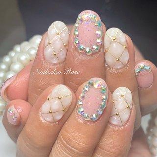#ラメ #ワンカラー #ビジュー #3D #キルティング #ホワイト #ピンク #nailsalon Rose #ネイルブック