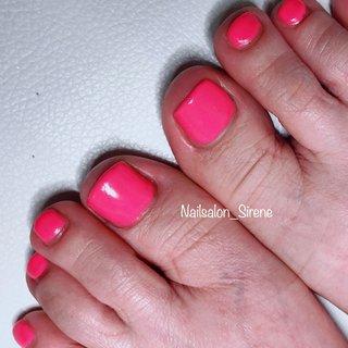 #フットネイル #ワンカラー  春らしく可愛くピンクに挑戦♡ #春 #フット #ワンカラー #ショート #ピンク #ジェル #お客様 #nailsalon_sirene #ネイルブック