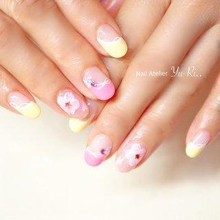 ピンクと黄色で気分は春へ🌸🌼 サンプルの中から、色に惹かれた!というのが決め手選んでいただきました。 パラジェルをベースにするようになり、爪の調子も良くなりましたね💓 いつもご来店ありがとうございます!  #桜ネイル#桜#春ネイル#フラワー#お花#ピンク#黄色#イエロー#お花見#2月#3月#4月#大人かわいい #ネイルアトリエゆーり #大人ネイル #横浜駅東口#プライベートサロン#ネイルブック#オフィスネイル#フレンチ #春 #卒業式 #入学式 #デート #ハンド #変形フレンチ #ラメ #ワンカラー #フラワー #ホワイト #ピンク #イエロー #ジェル #お客様 #yu_ri402 #ネイルブック