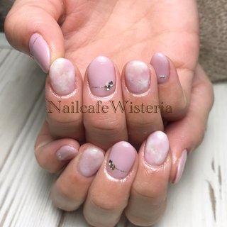 春に向けてピンクのデザイン 最近良くでます💅🌸❤️  #ピンク #桜色 #シルバー #ストーンー #たいだい #春 #オールシーズン #ホワイト #ピンク #シルバー #nailcafewisteria #ネイルブック