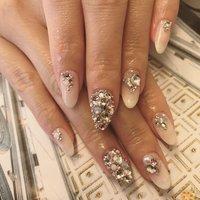・ ・ 長めの ビジュースカルプ・:*+. ・ ストーンも サイズやカラー、形などに こだわって、 ひとつひとつ仕入れています👌🏻❤️✨ ・ 素敵な思い出を ネイルと共に作って頂けますように♡ೄ̥̽ ✨❤️✨੯ूᵕ̤ू U॒॒॒॒॒୭ღ⃛✨❤️✨ ・ ・ ・ #nail #nails #naildesign #extensions #nailjewels #pink #風水 #ラッキーカラー #ピンク #大人ネイル #スカルプ #ビジュー #ウェディング #長さ出し #ネイルデザイン #フットネイル #フットケア #角質ケア #巻爪 #バレンタイン #essence #オールシーズン #卒業式 #入学式 #ブライダル #Essence #ネイルブック