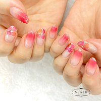 赤ピンクジューシーカラーのフラワーネイル✨ 春らしいデザインです♪  #春#春ネイル#グラデーション#花#お花ネイル#フラワー#フラワーネイル#ピンク#赤ピンク #春 #夏 #ハンド #グラデーション #フラワー #ミディアム #ピンク #レッド #ジェル #お客様 #slash_nail.tsukiyama #ネイルブック
