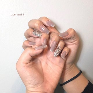 𓂅 glitter french ballerina square . 燕市は3月成人式✨ 私は新潟県の柏崎市で成人式をしたけれど5月だったな💐 新潟県内でも1月とか7?8月のところもあると聞いた事がある🤔 . パーティにぴったりなキラキラロングネイル✨ . . . スカルプやり放題 10,980円 #sharesalonlib #niigata #tsubame #gelnail #nail #nails #nailart #nailsalon #handpainted #unghiegel #onicotecnica #manicurist #маникюрша #新潟ネイルサロン #新潟 #燕市 #ネイリスト #ネイル好きな人と繋がりたい #写真好きな人と繋がりたい #手描きアート#ネイルアート #アート #ジェルネイル #ラメフレンチ #スカルプネイル #バレリーナネイル #夏 #秋 #オールシーズン #成人式 #ハンド #フレンチ #ロング #グレージュ #シルバー #スカルプチュア #お客様 #yukari okonogi #ネイルブック
