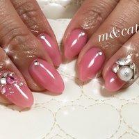 マオジェルワンカラー203!とても発色の良いカラーです(♡ˊ艸ˋ)♬* #マオジェル#ワンカラー#ピンク#ビジュー#スワロ#ラメ #オールシーズン #パーティー #デート #ワンカラー #ラメ #ビジュー #ミディアム #ピンク #ジェル #お客様 #m&cat(エム&キャット) #ネイルブック