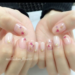 #ドライフラワー#春 #春 #シンプル #押し花 #ピンク #ジェル #nailsalon flower #ネイルブック