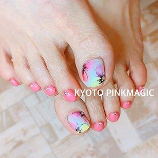 #ピンクマジック は京都市右京区西院のネイルサロンです。  #フットネイル #おしゃれネイル #西院ネイルサロン #秋ネイル #シンプルネイル#春ネイル #フット #フラワー #ショート #ホワイト #ピンク #イエロー #ジェル #お客様 #Pinkmagic♡miki #ネイルブック