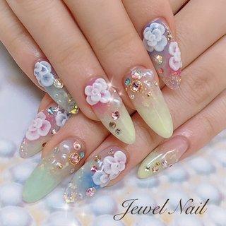 #春 #ブライダル #パーティー #デート #ハンド #グラデーション #ビジュー #フラワー #3D #ロング #ピンク #イエロー #グリーン #スカルプチュア #お客様 #JEWEL SALON total beauty【旧jewel nail】 #ネイルブック