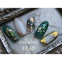 選べるデザイン🤍ゴージャスコース 奥行き感がたまらなーーい💜💜💜 グリーンでデザイン作ってますが 他のお色味にも変更できます🥰 #nailsalon LEAP #ネイルブック