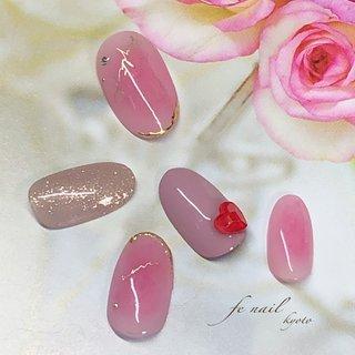 ☆チークアート☆ 春に向けて。 ほんのりピンクに。 #春 #デート #女子会 #ハンド #ラメ #チーク #ピンク #パープル #ゴールド #ジェル #ネイルチップ #fenail #ネイルブック