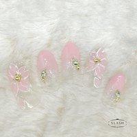 春と言えば桜のシーズン🌸 指先も冬から春仕様にチェンジ✨  #春#春ネイル#さくら#桜#桜ネイル#シンプル#シンプルネイル#ピンク #春 #ブライダル #ハンド #グラデーション #フラワー #ピンク #ジェル #ネイルチップ #slash_nail.tsukiyama #ネイルブック