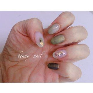 春色nail ✨ #春 #オールシーズン #ハンド #ワンカラー #シェル #3D #ホワイト #グリーン #ゴールド #ジェル #お客様 #nao #ネイルブック