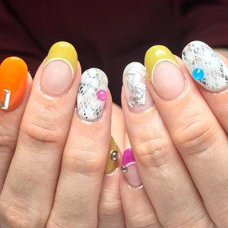 #ホワイト #オレンジ #パープル #CONO nails #ネイルブック