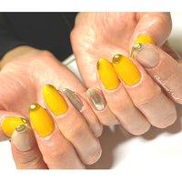 イエロー×ぷっくりゴールド♡ おしゃれ個性派ネイル♡ . #nails #naildesign #nailart #like4like #instagram #yellow #mirror #art #painting #chaehwanail #ネイル#ネイルデザイン #ニュアンスネイル #個性派ネイル #シンプルネイル #イエロー #ゴールドミラー #ミラー #グレージュ #ジェルネイル #川崎ネイルサロン #川崎 #손스타그램 #네일#네일아트#네일스타그램 #젤네일 #심플 #뉴앙스 #美甲 . ご予約は↓からお願いします! *ネイルブックネット予約(プロフィールのURLから予約可能!) . お問い合わせは↓からお願いします! *LINE@ : @chaehwa_nail(@から検索) *Instagram DM : @chaehwa_nail . ご連絡お待ちしております(*´꒳`*)♪ Chaehwa*Nail #秋 #冬 #オールシーズン #デート #ハンド #変形フレンチ #ワンカラー #3D #ミラー #ミディアム #イエロー #グレージュ #ゴールド #ジェル #お客様 #chaehwa_8127 #ネイルブック