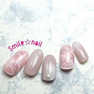 大田原定額ネイルサロン Smile☆nailのyukariです(*^^*) 3月のセレクトコースデザイン完成しましたっっ(๑˃̵ᴗ˂̵)و̑̑ 春と言えば、やっぱり桜🌸 肌馴染みの良いナチュラルカラーで仕上げました💅  沢山のオーダーお待ちしてます❤️ ☆,。・:*:・゚'☆,。・:*:・゚'☆,。・:*:・゚' ご予約は#ネイルブック 又は プロフィールのURLから☆ 是非【Nail book】アプリをご利用下さい❤️ ☆,。・:*:・゚'☆,。・:*:・゚'☆,。・:*:・゚' ラクマでピアス ミンネでネイルチップを販売してます ٩( ᐛ )و  ネイルチップ→ミンネ https://minne.com/5116ykr (スマイルネイルで検索‼︎) ピアス→ラクマ https://fril.jp/shop/Smile_bijou (スマイルビジュー ネイリストで検索‼︎) ☆,。・:*:・゚'☆,。・:*:・゚'☆,。・:*:・゚' #smilenail #スマイルネイル #大田原市ネイルサロン #大田原市ネイル #大田原ネイルサロン #大田原ネイル #大田原定額ネイル #那須塩原ネイル #那須塩原ネイルサロン #ネイルサロン #西那須野ネイルサロン #お洒落ネイル #個性派ネイル #派手カワネイル #オーダーチップ #nailpicbeaut #美爪 #ミンネ #minne #nailbook #ネイリスト仲間募集 #ネイル好きな人と繋がりたい #春ネイル #桜ネイル #フラワーネイル #お花ネイル #オフィスネイル #スキンカラーネイル #春 #卒業式 #入学式 #ハンド #フラワー #パール #くりぬき #ミディアム #ホワイト #ピンク #スモーキー #ジェル #ネイルチップ #Smile☆nail #ネイルブック