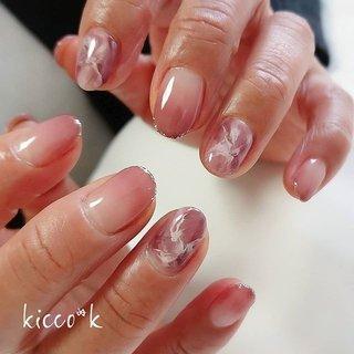 #マーブルネイル のような #天然石ネイル のような #ニュアンスアート 😉  深みのある色味が 大人オシャレでした✨✨ ラメラインもポイント✨  #グラデーション #ローズブラウン  #nail #nails #nailsalon #instanails #nailswag #nailstagram #nailart #naildesign #gelnails #manicurist #ネイル #ネイルデザイン #大人ネイル #ジェルネイル #ネイルサロン #八潮市 #八潮ネイル #八潮ネイルサロン #足立区ネイルサロン #北千住ネイルサロン #三郷ネイル #草加ネイル #自宅サロン #kicco_k #オールシーズン #デート #女子会 #ハンド #グラデーション #大理石 #マーブル #ミディアム #ボルドー #ブラウン #ジェル #お客様 #kicco_k.nail #ネイルブック