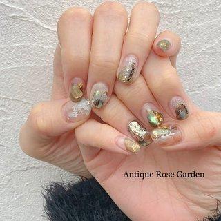 Antique Rose Garden・・・❤︎ シェルをふんだんに使ったニュアンスネイル💅 リゾート感漂わせる、 大人可愛いのネイルに仕上りました🥰 #春 #冬 #オールシーズン #リゾート #ハンド #シェル #アンティーク #シースルー #大理石 #ニュアンス #ミディアム #ホワイト #クリア #ブラウン #ジェル #Antique Rose Garden #ネイルブック