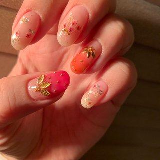 ホワイトデーネイル#ネイル#nails #春 #夏 #デート #女子会 #ハンド #フルーツ #押し花 #ミディアム #クリア #ピンク #ジェル #セルフネイル #ネイルスペースR #ネイルブック